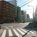 ⑥大通りを右折、右手には定食屋があります。